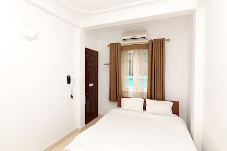 Room type: Private room Bed type: Airbed Property type: Bed & Breakfast Accommodates: 2 Bedrooms: 1 Bathrooms: 1