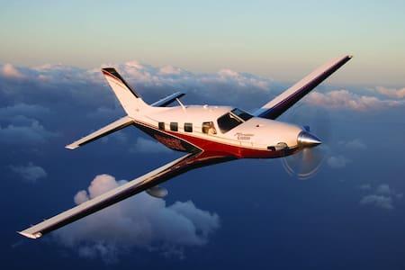 Private Flight max 5 passengers North Europe - Plane