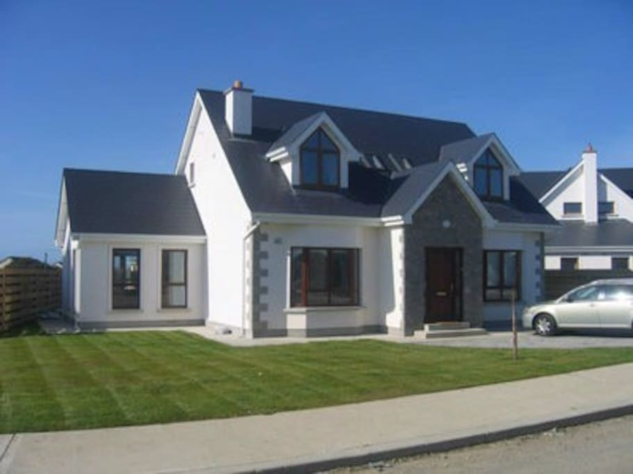 8 - grange cove holiday homes, rosslare, property grounds