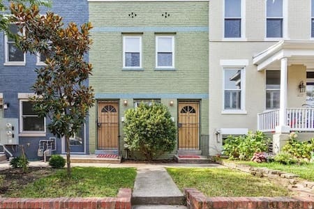 One Bedroom Apartment in Capitol Hill - Washington, District of Columbia, US - Casa