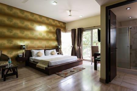 Studio Apartment - Near to Huda City Centre - Gurgaon - Apartment