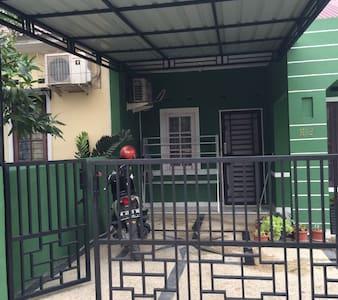 comfortable house for rent .. - Pekanbaru - Talo