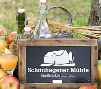 Feiern in der Schönhagener Mühle - House