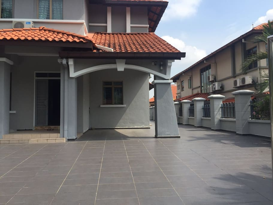 Double Story Semi D House with parking space for up to 4 cars