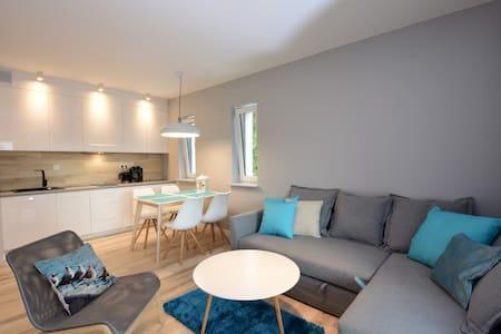 Apartament Pogorzelica 150m od plaży - Lägenhet