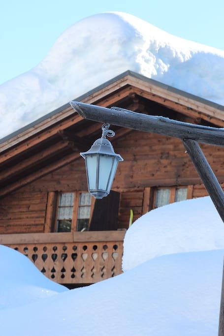 AlpinHaus d'inverno...legno e neve