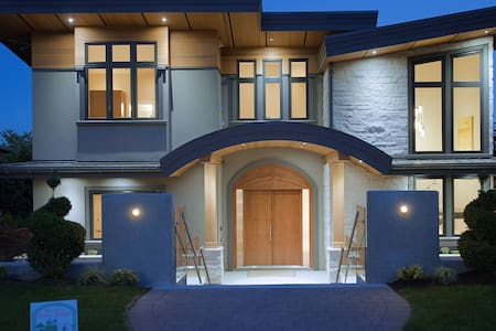 Brand New Home in most desirable DUNDARAVE! - West Vancouver - Apartment