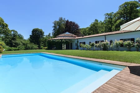 Eye-catching villa with pool! - Dormelletto