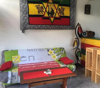 """REGGAE LODGE"""