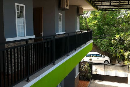 Kost Cilegon WiFi Private Bathroom - House