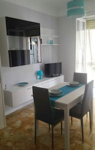 Remodeled 4 bed near the beach in sunny Bordighera - Apartment