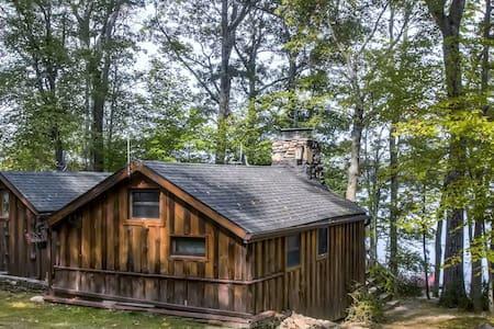 Lakefront 3BR Catskills Cabin - Wurtsboro