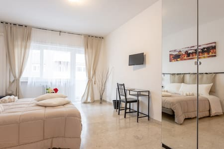 Rose in Rome - Double Superior Room