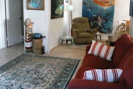 Walk to Beach for 6! Toys Included - Satellite Beach - Apartment