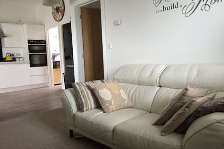 Open Plan One Bed Apartment, Par, Cornwall - Huoneisto