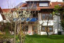 Einliegerwohnung mit Terrasse, sep. Eingang.