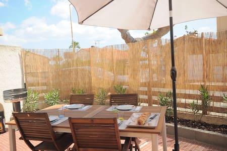 Pavillon 50m de la mer + terrasse - Fleury - Huis