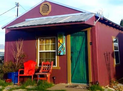 Las Casitas Guesthouse-Green Door Casita - Kisház