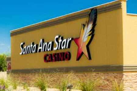 Try your LUCK at the STAR - Rio Rancho - Casa