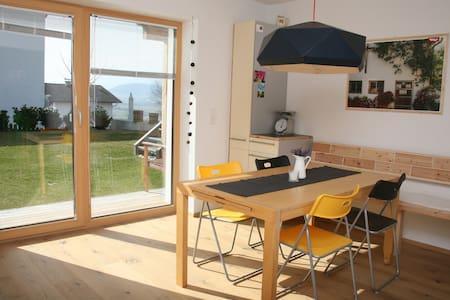 sonnig + ruhig, 72 m² nur für dich - Weer - Apartment