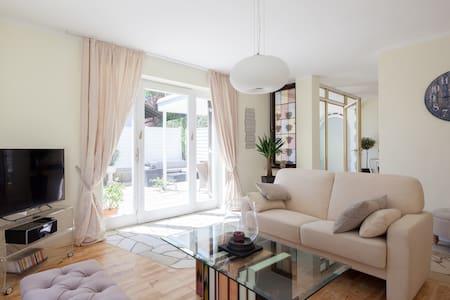 Excl. apartment +terrace +garden !! - Flat