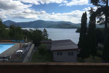 Penthouse #18 with Amazing Views of Lake George - Társasház