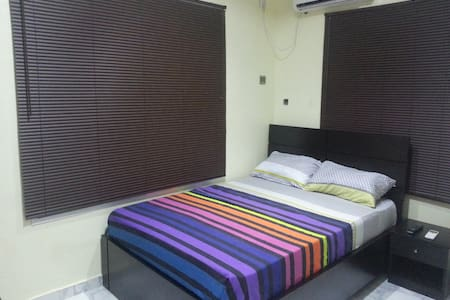 Very Private En-suite Room by the Beach - Lekki - House