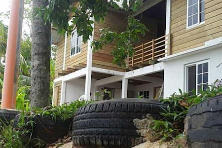 Casa Escondida, vistas maravillosas del Río Dulce - Guesthouse