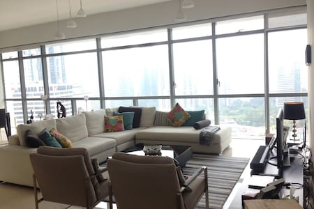 Modern+Elegant KLCC Apartment - Apartment