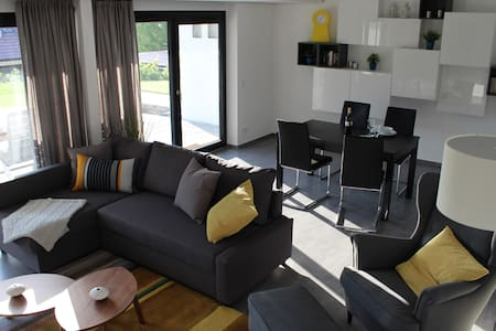 chic, modern, ruhig und groß (72m²) in Toplage - Appartamento