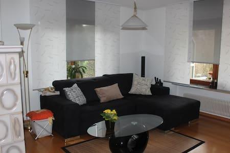 Moderne Wohnung im EG - Apartment