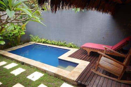 Vidi Villa #3 with swimming pool and 1 bedroom - Sukawati