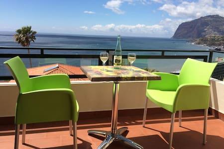 Ocean Cliffs - Thea Apartment - Funchal - Apartemen