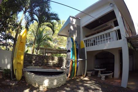 Casa de Playa - BACKDOOR CABIN