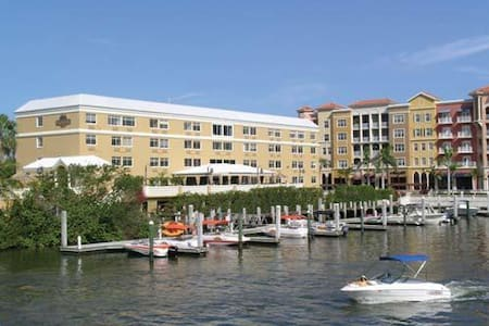 Bayfront Inn on Fifth - Διαμέρισμα