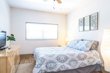Cozy 1BD Close to Beach & Shopping! - Casa