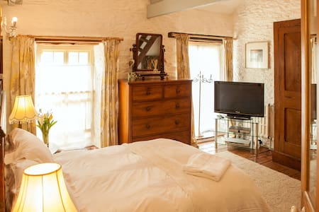 Award winning converted Mill-room 1 - Bed & Breakfast