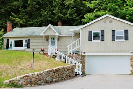 Cozy Cottage 4 Season in White Mts. - Ház