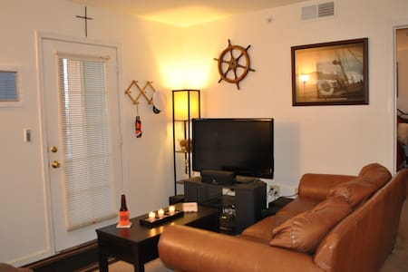 Captain's Quarters - Apartment