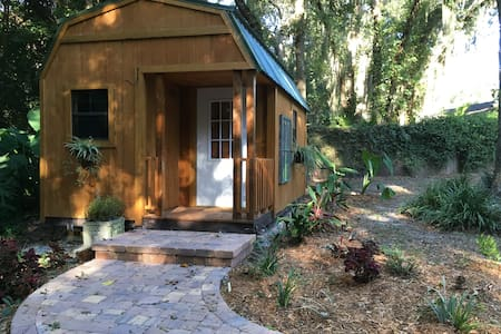 Tiny House Getaway - Fernandina Beach - Guesthouse