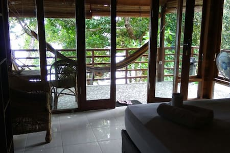 Pele's Seafront Bungalow No3 - Cabin