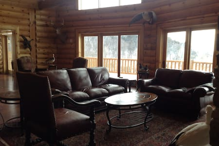 Log Home Living-30 minutes to Omaha and CWS - Casa