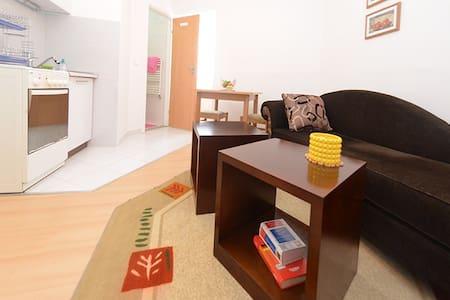 BEST LOCATION SARAJEVO 2- Parking Included - Appartamento