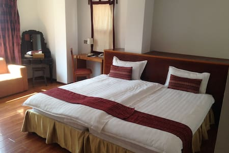 Deluxe Double - Mandalay - Bed & Breakfast