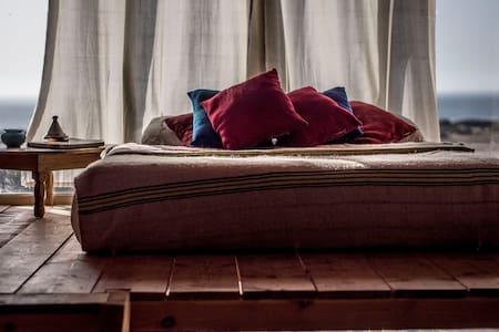 """Bedroom""""AZROO"""" @Ecolodge L'Ane Vert - tafedna"""
