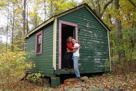 Rustic 1 room cabin in the woods! - Warwick - Cottage