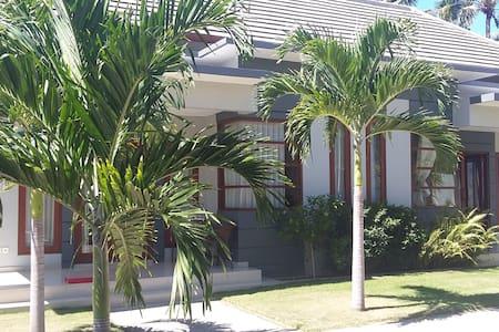 Villa Tunjung Sari 2 - Bungalov