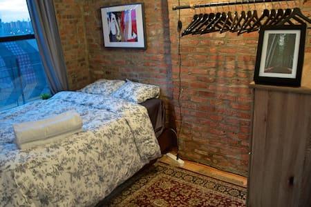 The Brooklyn Loft Experience (Room # 2) - Brooklyn