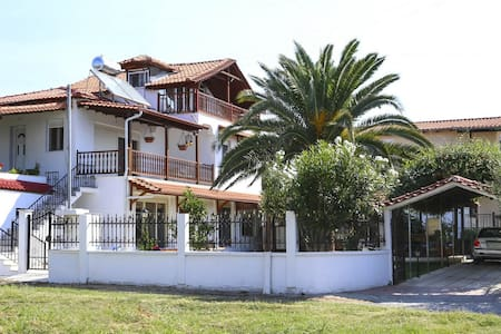 SOFIA IORDANIDOU - Ν. Καλλικράτεια - Villa