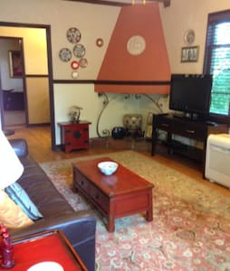 Spacious 1 Bedroom Plus Office in Historic Bldg - Cincinnati